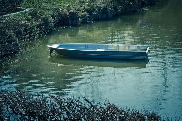bote vacío reflexion